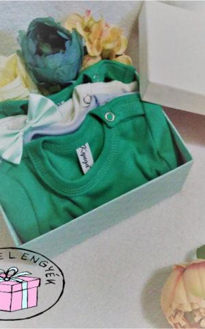 dobozos fiú tavaszi babaruha csomag