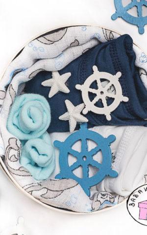 fiús tengerész babakelengye nyári babáknak