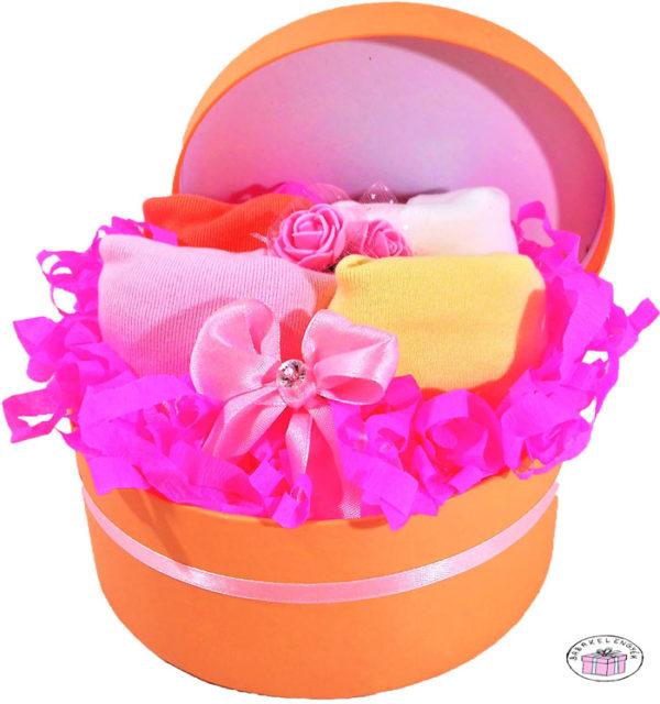 újszülött kislány ruhacsomag doboz 2